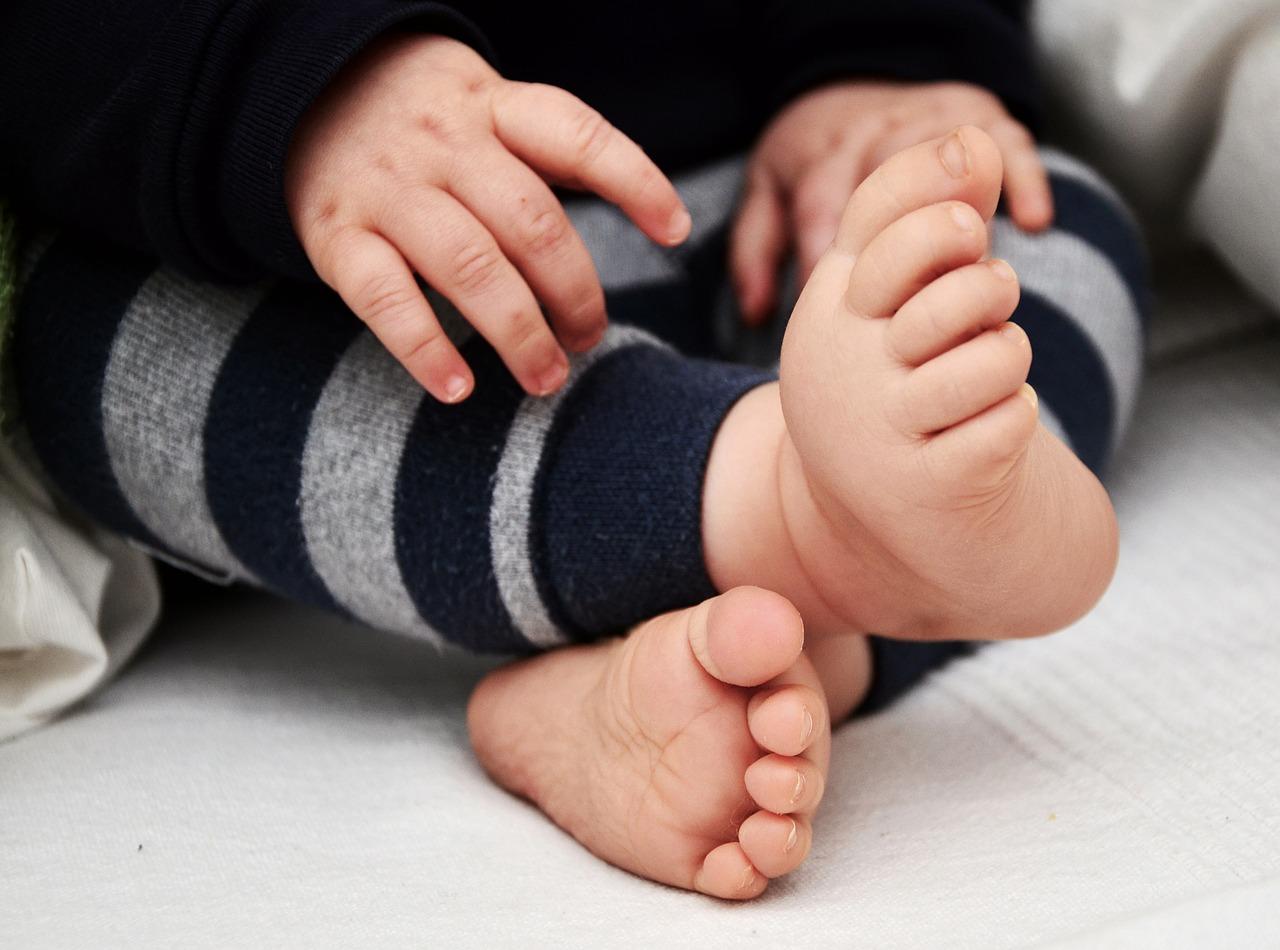 Quelles sont les étapes du développement d'un bébé ?